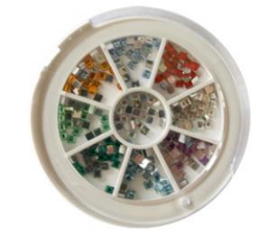 Zdobící kamínky v kulatém boxu, tvar kostička